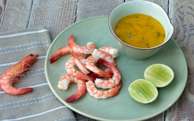 Prawns with mango & chilli dipping sauce