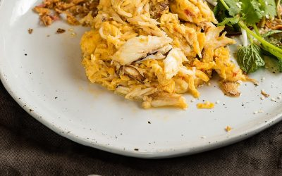 CRAB SCRAMBLED EGGS WITH CHILLI & BEAN SPROUTS